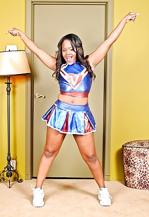 Ebony Cheerleader Pictures