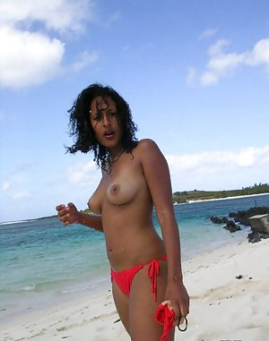 Ebony in Beach Pictures