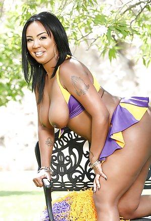 Ebony Cheerleader Pictures