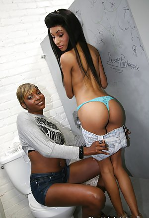 Sexy Ebony Teens Pictures